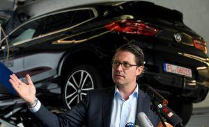 Bundesverkehrsminister Andreas Scheuer beim Kraftfahrt-Bundesamt. (Foto: dpa)