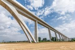 Architektur einer Eisenbahnbrücke im Detail